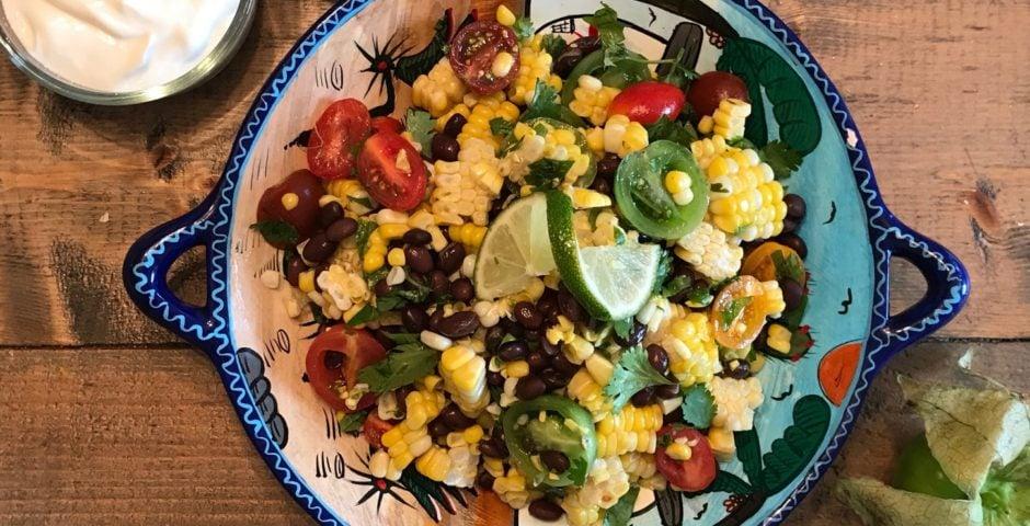 Salade de maïs tiède mexicaine